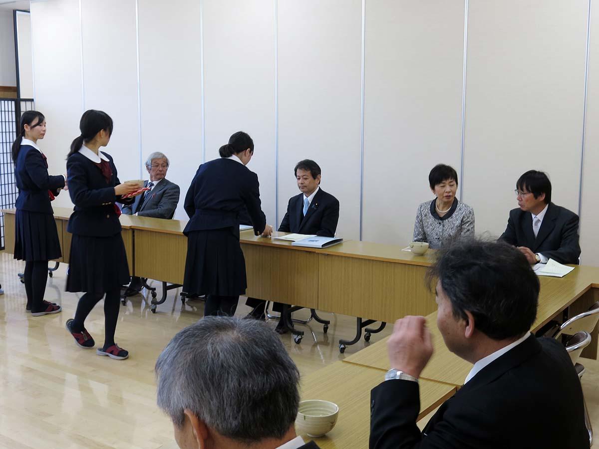 飯田女子高等学校卒業式授与式に...